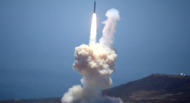 Video Mỹ thử tên lửa đạn đạo từng bị cấm bởi hiệp ước hạt nhân - 1