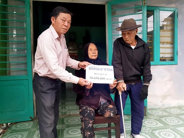 Bạn đọc giúp đỡ hơn 56 triệu đồng cho hai cụ sống cơ cực trong đói nghèo - 2