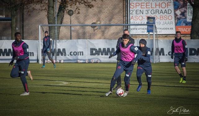 Công Phượng miệt mài tập luyện chờ ngày được ra sân ở Sint Truidense - 2