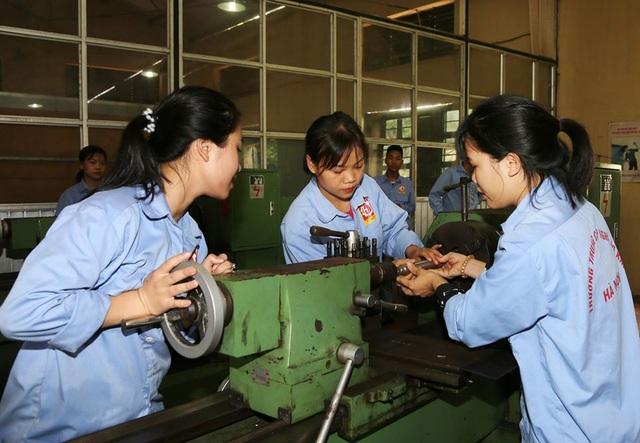 Hà Nội: Tăng cường gắn kết doanh nghiệp với cơ sở giáo dục nghề nghiệp - 1