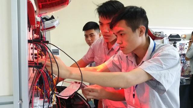 Khoảng 30% học sinh tốt nghiệp THCS vào học nghề: Không dễ! - 2