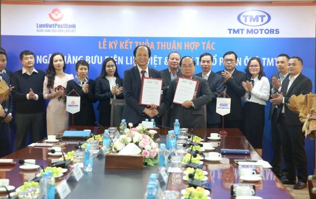 LienVietPostBank ký kết thỏa thuận hợp tác với Công ty Ô tô TMT - 1