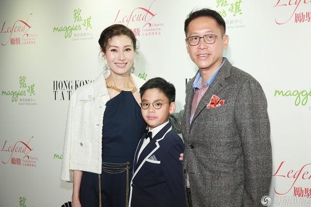 """Từng bị chỉ trích là """"tiểu tam"""", """"Hoa hậu đẹp nhất Hồng Kông"""" giờ viên mãn bên chồng con - 2"""