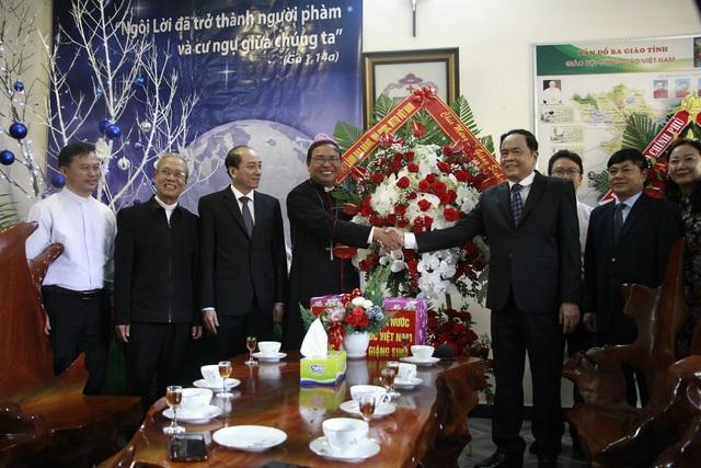 Chủ tịch MTTQ Việt Nam chúc mừng Giáng sinh Giáo phận Ban Mê Thuột - 3