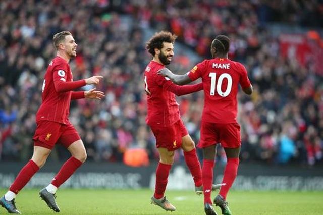Liverpool 2-0 Watford: Salah đã hay lại còn gặp may - 1