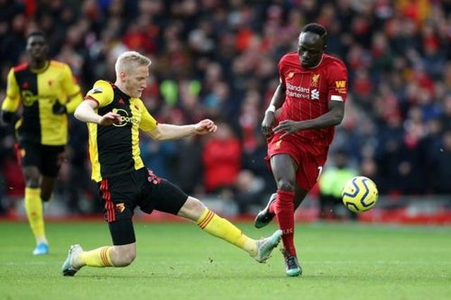 Liverpool 2-0 Watford: Salah đã hay lại còn gặp may - 3