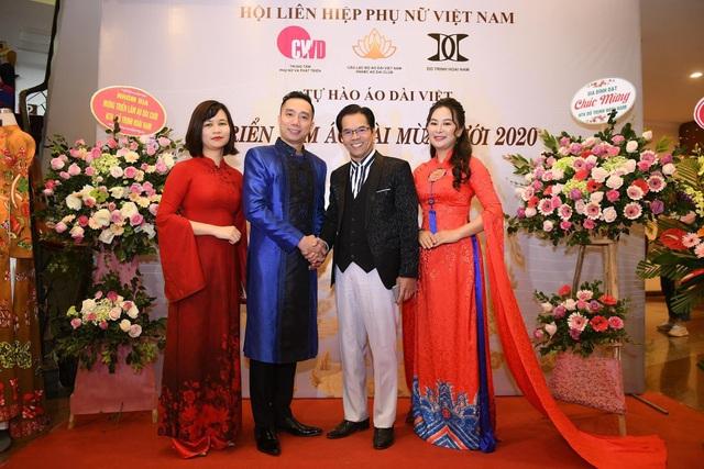 NTK Đỗ Trịnh Hoài Nam giới thiệu áo dài dát vàng đính 110 viên kim cương - 6