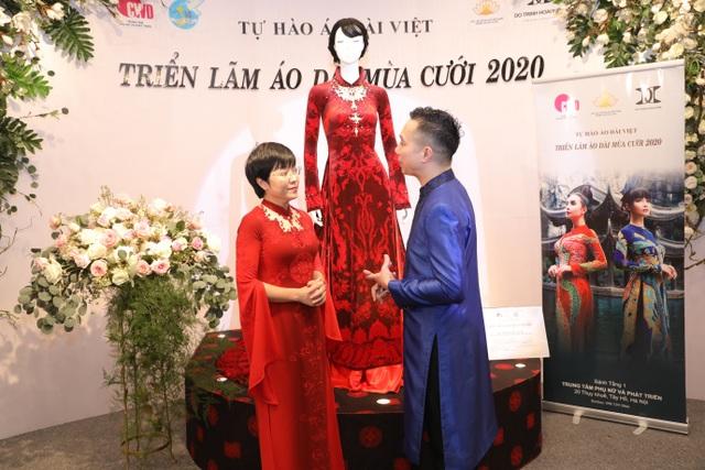 NTK Đỗ Trịnh Hoài Nam giới thiệu áo dài dát vàng đính 110 viên kim cương - 7