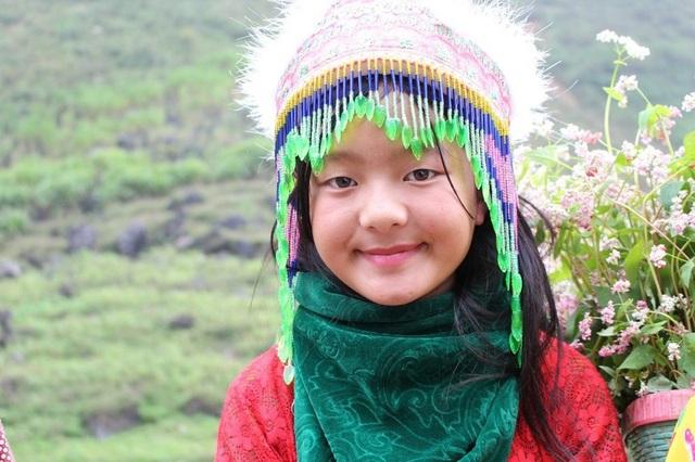 Ngắm nụ cười trong veo của những đứa trẻ vùng cao Hà Giang - 1
