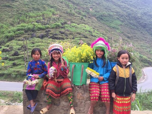 Ngắm nụ cười trong veo của những đứa trẻ vùng cao Hà Giang - 2