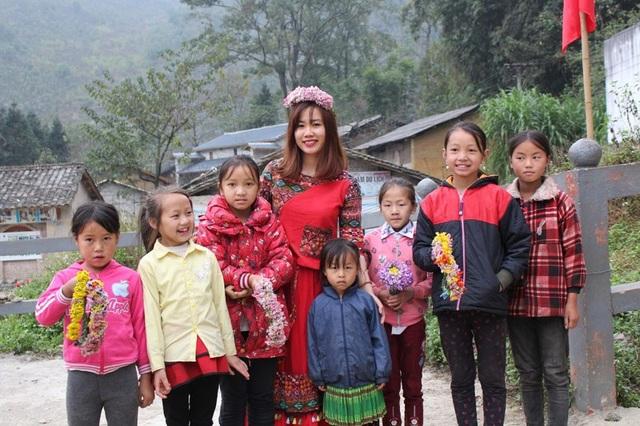 Ngắm nụ cười trong veo của những đứa trẻ vùng cao Hà Giang - 3