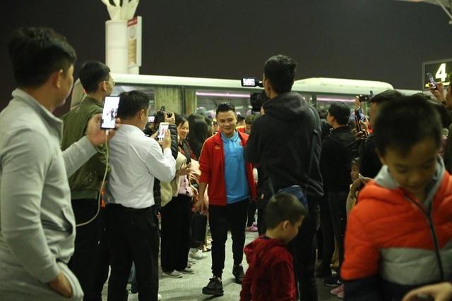 U23 Việt Nam sang Hàn Quốc lúc nửa đêm - 2