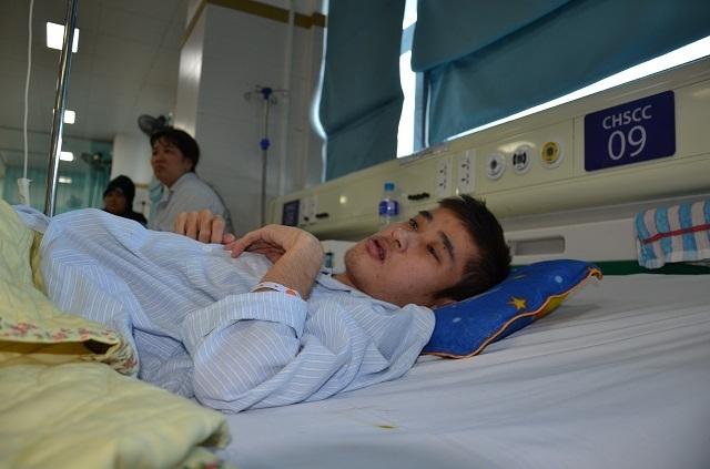 Bác sĩ viện Bạch Mai kêu gọi mạnh thường quân cứu chàng trai mắc tim bẩm sinh - 6