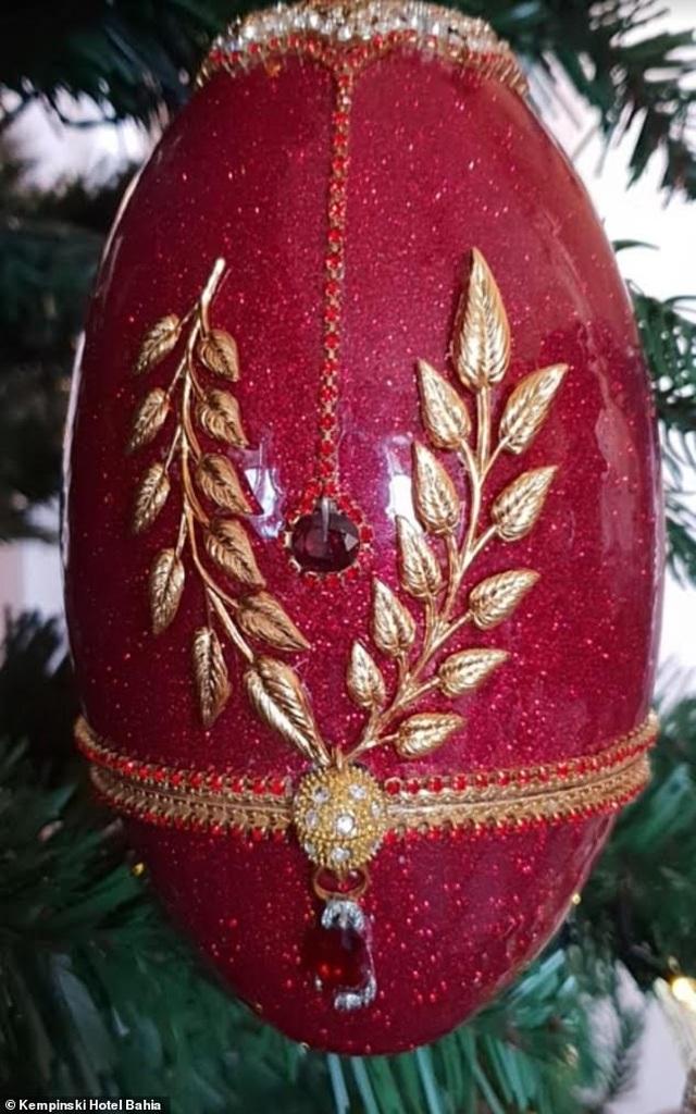 Chiêm ngưỡng cây thông Noel đắt nhất thế giới trị giá hơn 367 tỷ đồng - 3