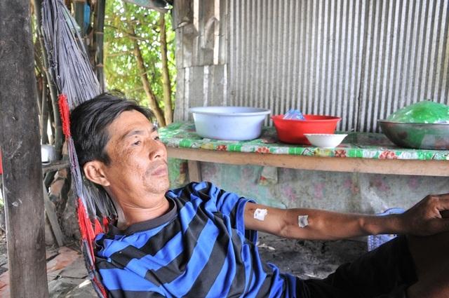 Người mẹ nghèo bán nhà Đại đoàn kết sống lay lắt gầm cầu thang bệnh viện để cứu con trai - 7