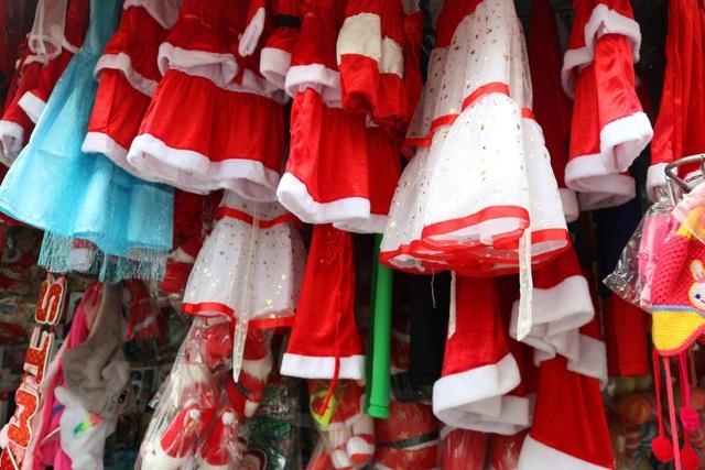 Sôi động thị trường mùa Giáng sinh 2019