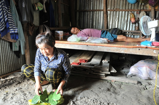 Người mẹ nghèo bán nhà Đại đoàn kết sống lay lắt gầm cầu thang bệnh viện để cứu con trai - 8