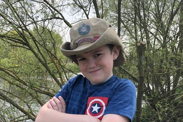 Chơi nhập vai anh hùng, bé 10 tuổi tự treo cổ - 1