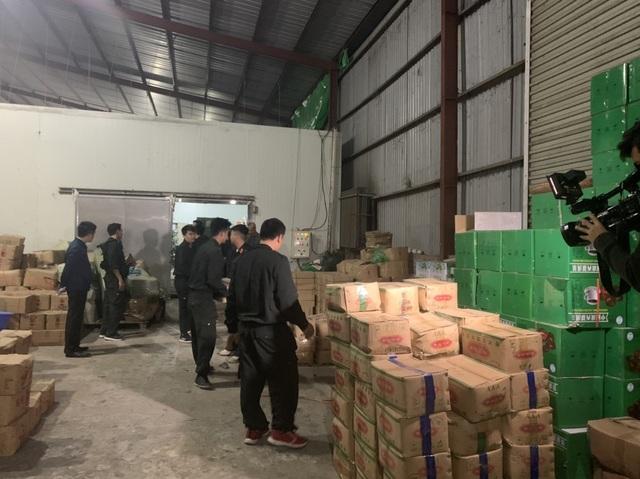Bắt giữ 3 đối tượng buôn lậu hơn 100 tấn dược liệu qua nhiều tỉnh - 4
