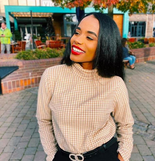 Nụ cười toả nắng và tài năng đặc biệt của Hoa hậu thế giới 2019 - 6