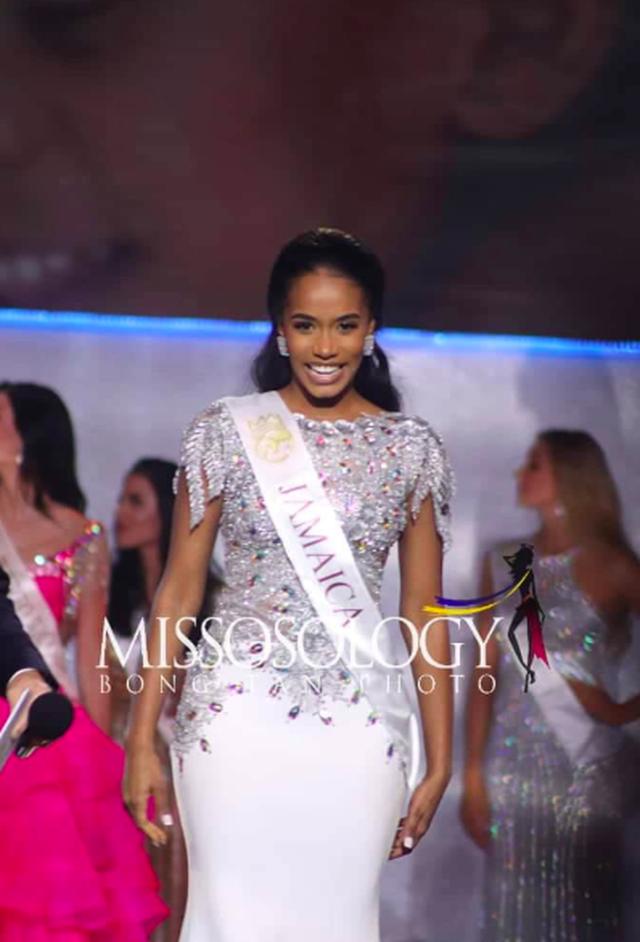 Nụ cười toả nắng và tài năng đặc biệt của Hoa hậu thế giới 2019 - 27