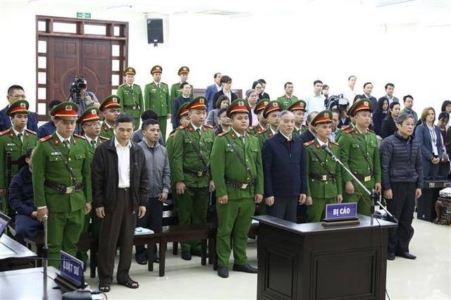 Hơn 2.000 tổ chức, cá nhân xin khoan hồng cho Phạm Nhật Vũ - 1