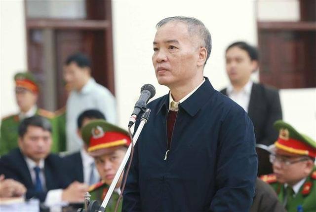 Cựu Chủ tịch MobiFone khóc nghẹn xin giảm nhẹ cho thuộc cấp - 1