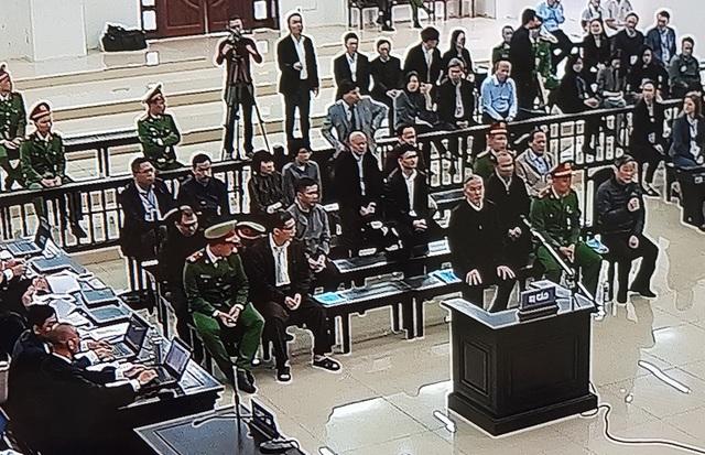 Hai cựu Bộ trưởng Nguyễn Bắc Son, Trương Minh Tuấn hầu tòa - 8