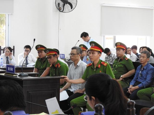 Nguyên Bí thư thị xã Bến Cát bị đề nghị mức án 16 năm tù - 1