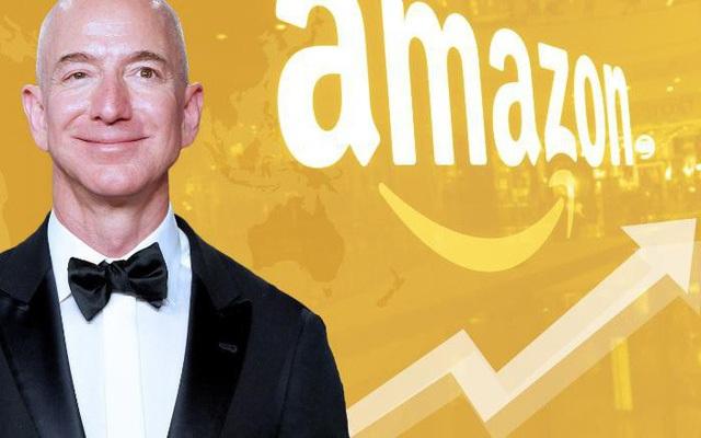 """Ông chủ Amazon Jeff Bezos được bình chọn là """"doanh nhân của thập kỷ"""" - 1"""