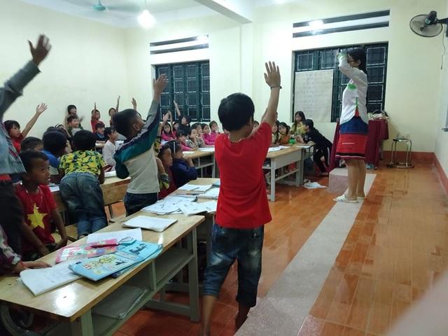 Nữ chủ nhiệm CLB sinh viên HMông mở lớp dạy tiếng Anh miễn phí - 2