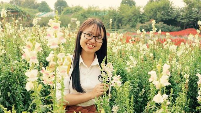 Nữ chủ nhiệm CLB sinh viên HMông mở lớp dạy tiếng Anh miễn phí - 3