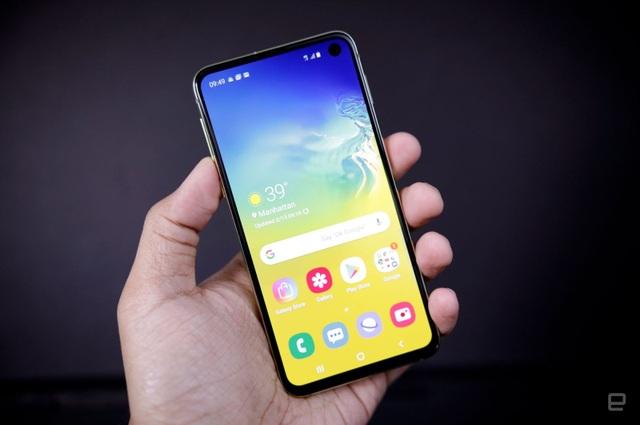Những mẫu smartphone cận cao cấp đáng chú ý năm 2019 - 1