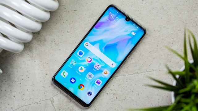 Những mẫu smartphone cận cao cấp đáng chú ý năm 2019 - 3