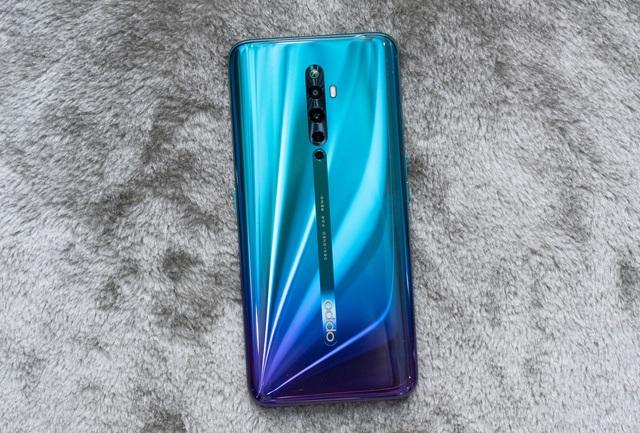 Những mẫu smartphone cận cao cấp đáng chú ý năm 2019 - 5