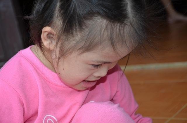 Vợ chồng nghèo bán ruộng cứu con được bạn đọc giúp đỡ hơn 105 triệu đồng - 2