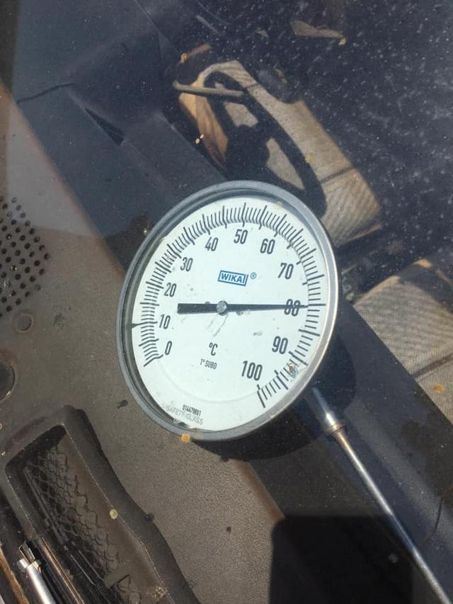 """Nắng nóng khắc nghiệt ở Australia, ô tô biến thành """"lò nướng"""" thịt lợn - 2"""