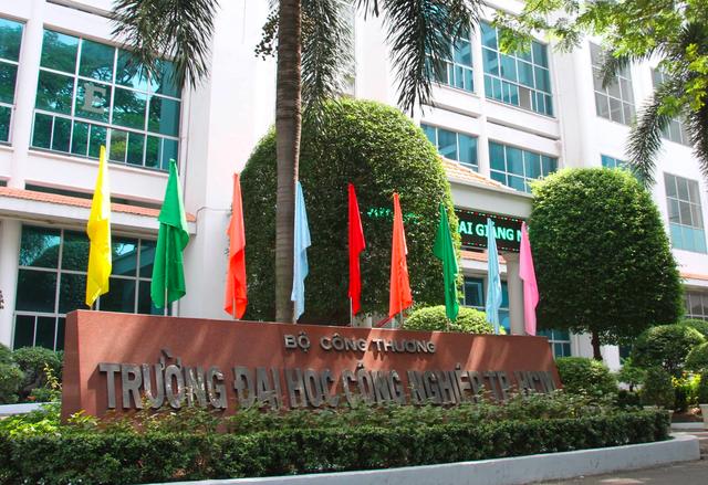 Thêm 1 trường tại TPHCM cho sinh viên nghỉ đến tháng 5 tránh dịch Covid-19 - 1