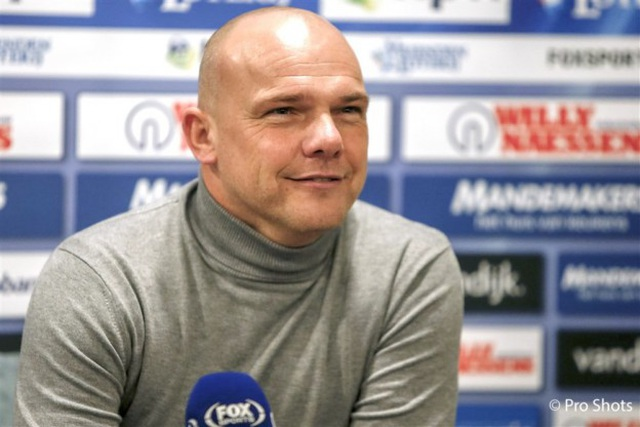 HLV Heerenveen chưa tính việc để Văn Hậu ra sân ở giải Hà Lan - 2