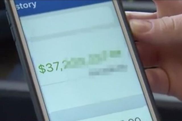 Suýt thành triệu phú vì được ngân hàng gửi nhầm cho 37 triệu USD - 2