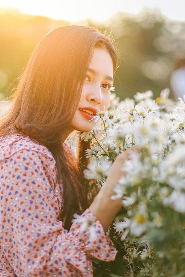 """Nữ sinh Hà Tĩnh """"đốn tim"""" dân mạng với giọng hát ngọt lịm tim - 2"""