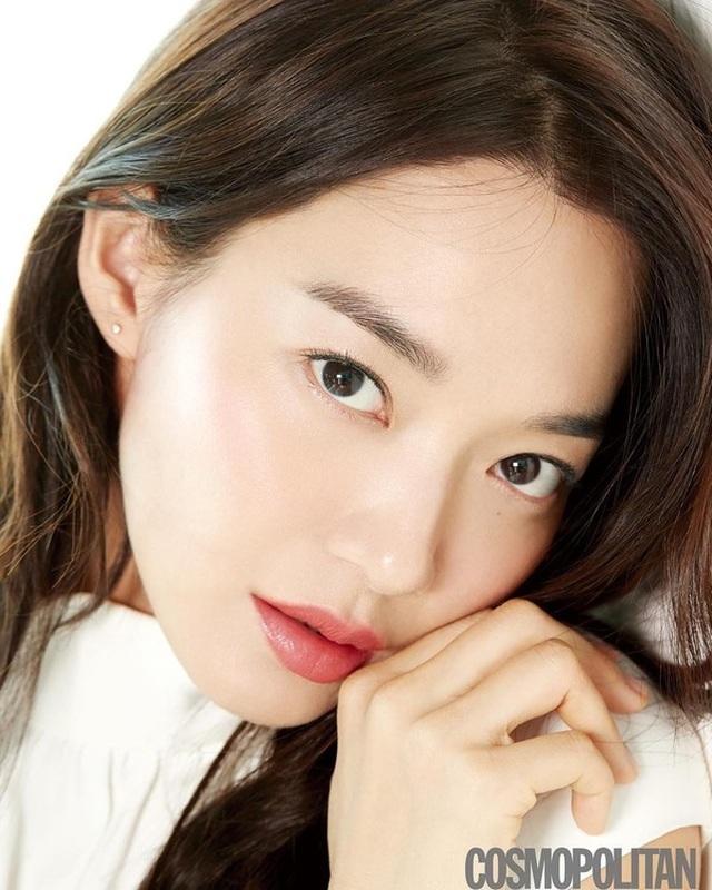 """Shin Min Ah: Mỹ nhân """"không tuổi"""" cùng chuyện tình cổ tích với """"phi công trẻ"""" kém 5 tuổi - 7"""