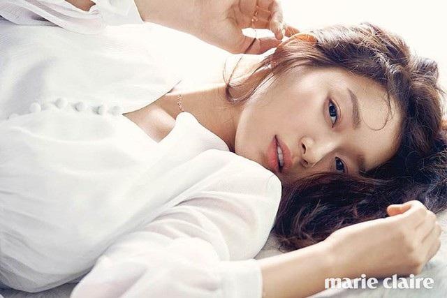 """Shin Min Ah: Mỹ nhân """"không tuổi"""" cùng chuyện tình cổ tích với """"phi công trẻ"""" kém 5 tuổi - 6"""