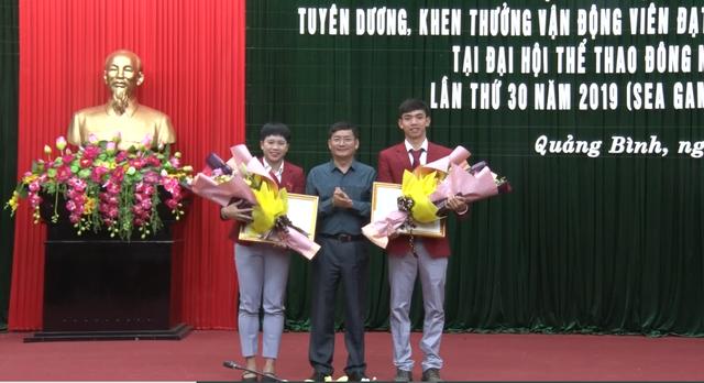 Quảng Bình: Tặng Bằng khen, thưởng nóng VĐV giành huy chương SEA Games 30 - 1