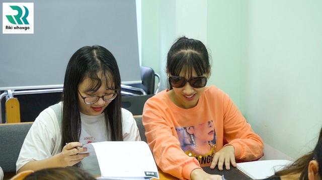 Trao học bổng, trao yêu thương cho học viên khiếm thị - 3