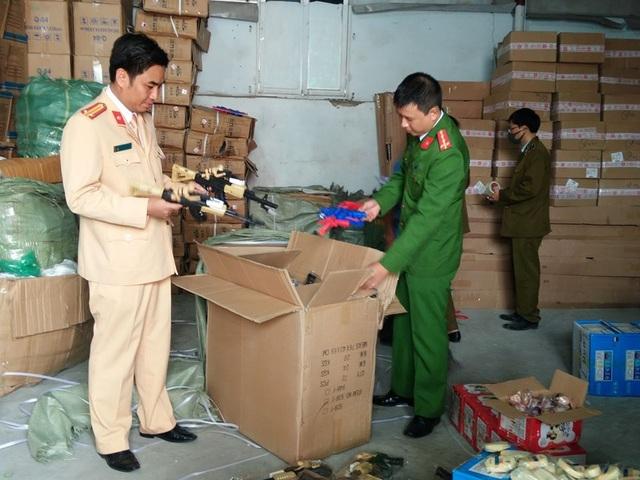 Cảnh sát phát hiện hơn 20 tấn hàng nhập lậu trên cao tốc Hà Nội - Lào Cai - 3