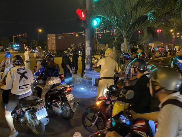 Cảnh sát cửa ngõ Sài Gòn xử lý hàng trăm trường hợp vi phạm giao thông - 5
