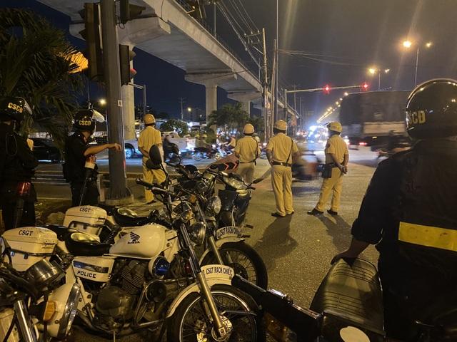 Cảnh sát cửa ngõ Sài Gòn xử lý hàng trăm trường hợp vi phạm giao thông - 6