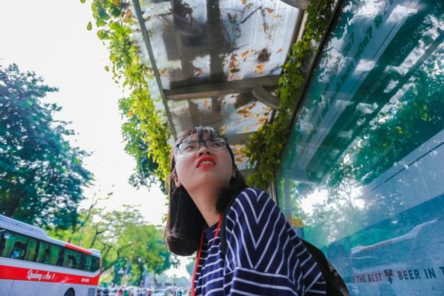 """Người Hà Nội thích thú với những """"khu vườn treo"""" ấn tượng trên nóc trạm chờ xe buýt - 10"""