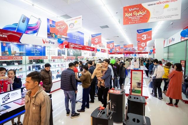 Vingroup lên tiếng về việc rút khỏi lĩnh vực bán lẻ, giải thể VinPro - 2